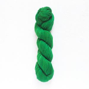 Urth 16 Fingering Yarn (306)