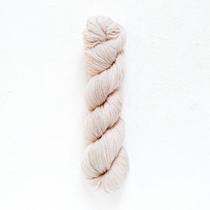 Urth 16 Fingering Yarn (308)
