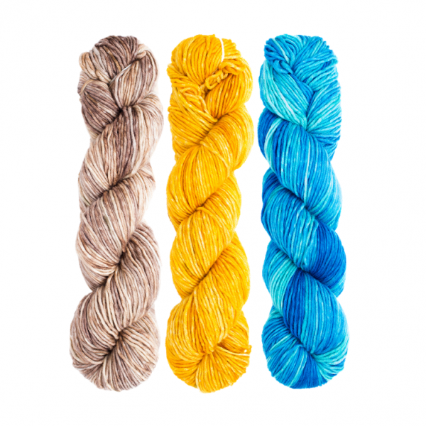 Urth Monokrom Worsted Yarn Color Pack (Sand, Sun and Sea)